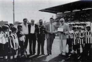 2000 intitolazione Stadio a Gino Manni 1
